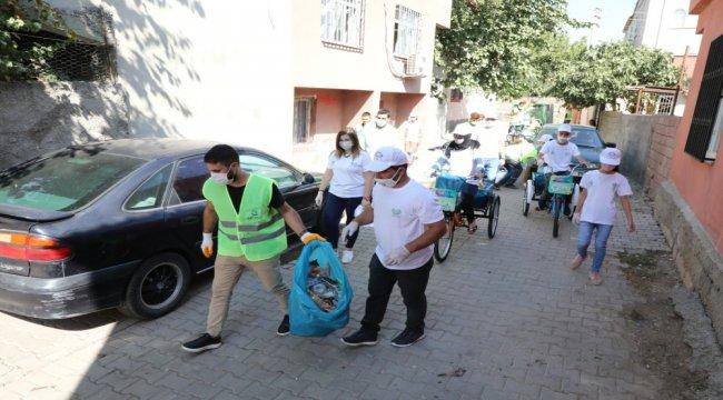 Diyarbakırlı öğrencilerden bisikletli çevre temizliği etkinliği