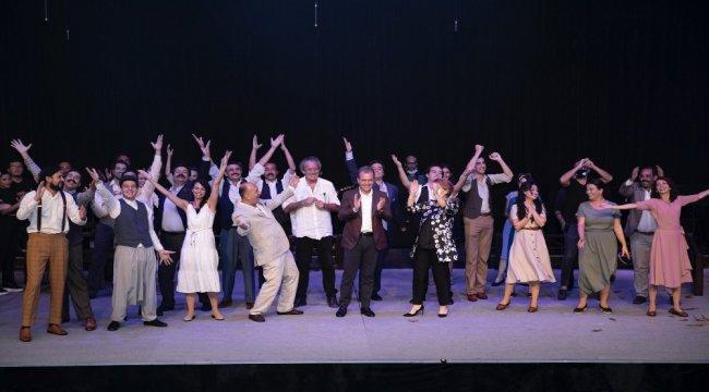 Mersin Büyükşehir Belediyesi Şehir Tiyatrosu perdelerini Nazım Hikmet'le açtı
