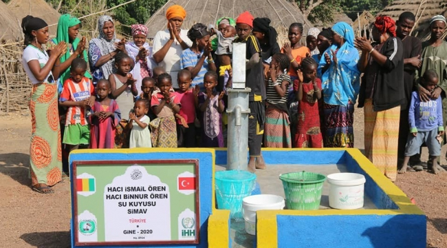 Hayırsever esnaftan Gine'ye su kuyusu hayrı