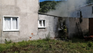 Erdek'te ev yangını korkuttu