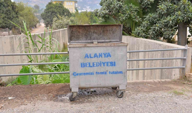 Alanya'da çöp konteynerleri yenileniyor