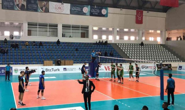 Efeler Ligi: Bingöl Solhan Spor: 2 - Halkbank: 3